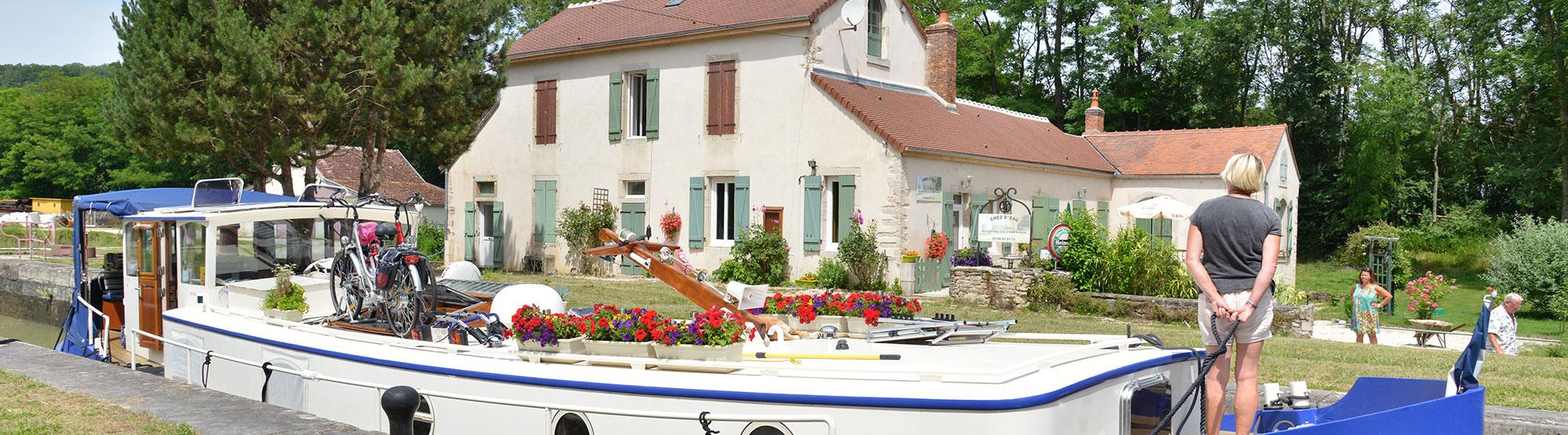 Maison d'hôtes péniche canal de Bourgogne