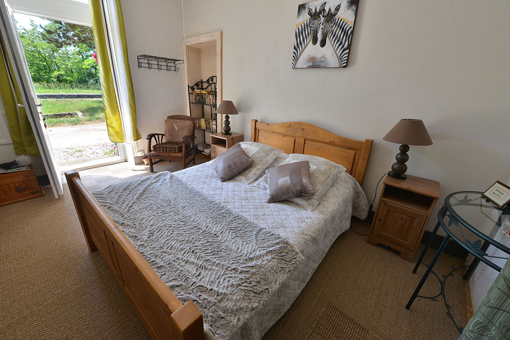 chambre-dhote-romarin-chez-deau-canal-bourgogne