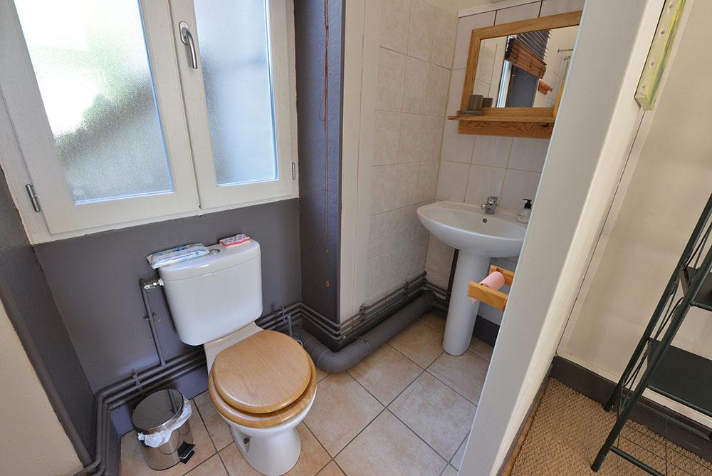 salle-de-bain-chambre-dhote-basilic-chez-deau-bourgogne